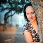 ביקור בית עם המשוררת טלי וייס: שירים שקטים