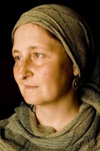 שרה פרידלנד בן ארזה / 'עטויה' - צילום מיכה שמחון, מתוך תערוכתו 'עטויות'.